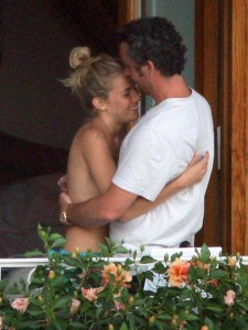 Naked Sienna Miller Cudding with Balthazar Getty